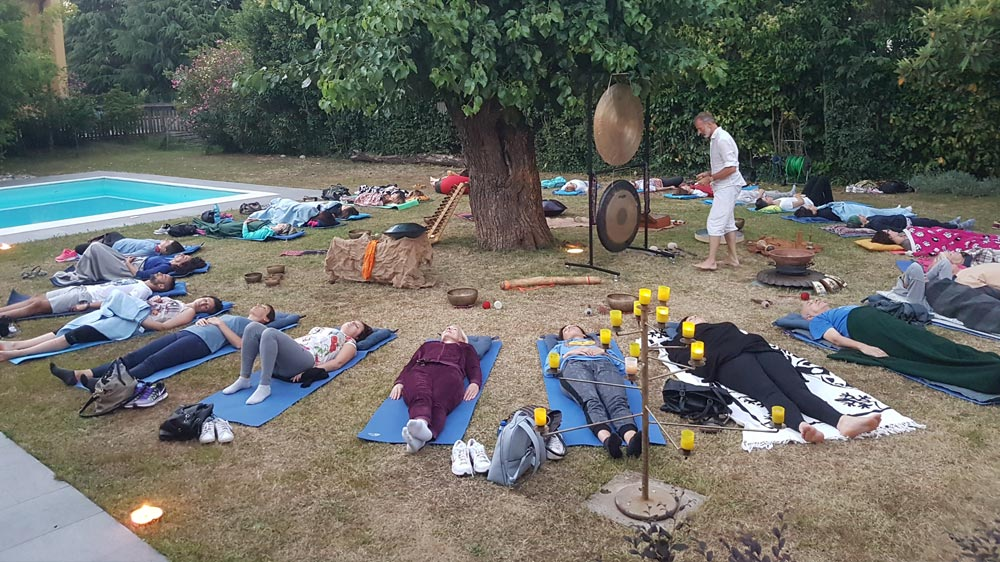Massaggio sonoro con Bagno di Gong e Campane all'aperto
